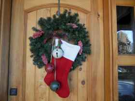 40 Cheap and Easy Christmas Decorations for Your Apartment Ideas (27)