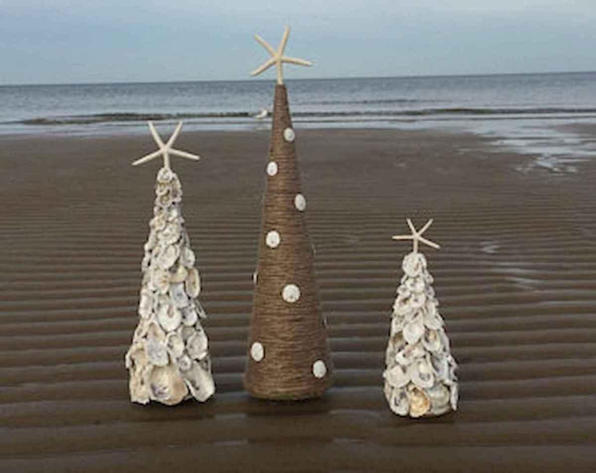 40 Coastal Christmas Decor Ideas And Makeover (28)