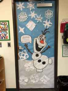 40 Simple DIY Christmas Door Decorations For Home And School (6)