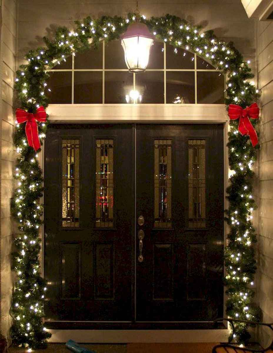 50 Awesome Christmas Front Porch Decor Ideas And Design (22)