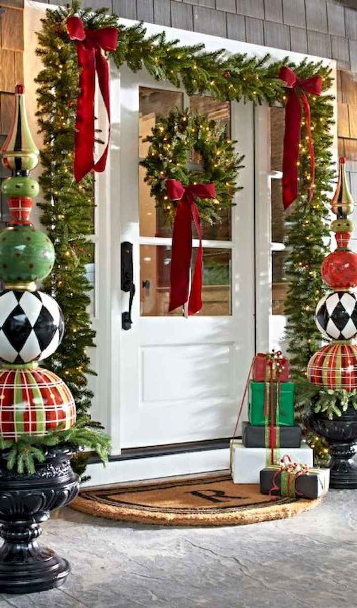 50 Awesome Christmas Front Porch Decor Ideas And Design (27)