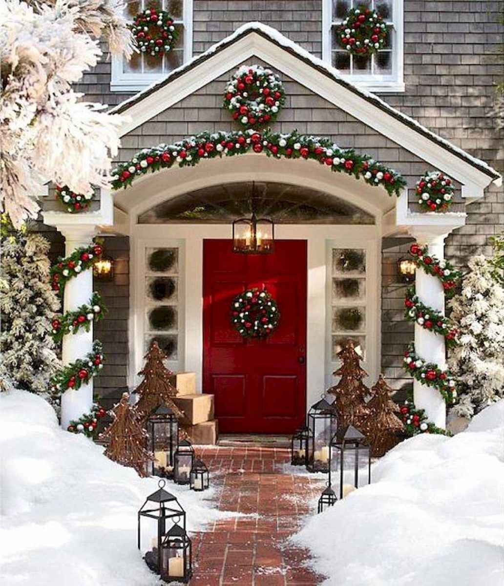 50 Awesome Christmas Front Porch Decor Ideas And Design (28)