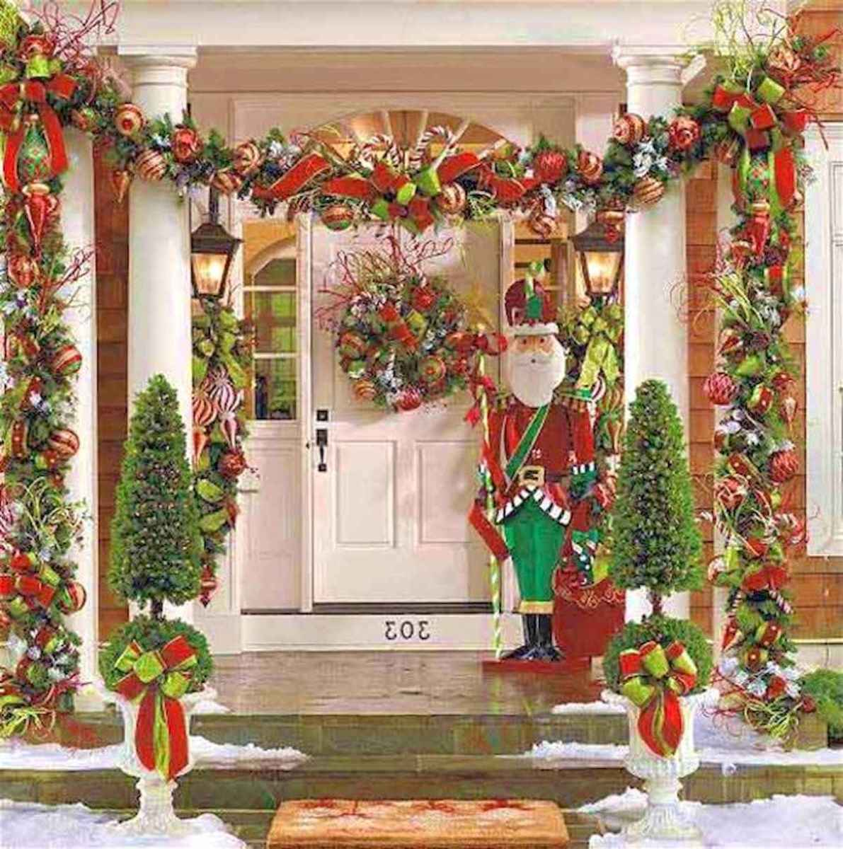 50 Christmas Front Porch Decor Ideas And Makeover (19)