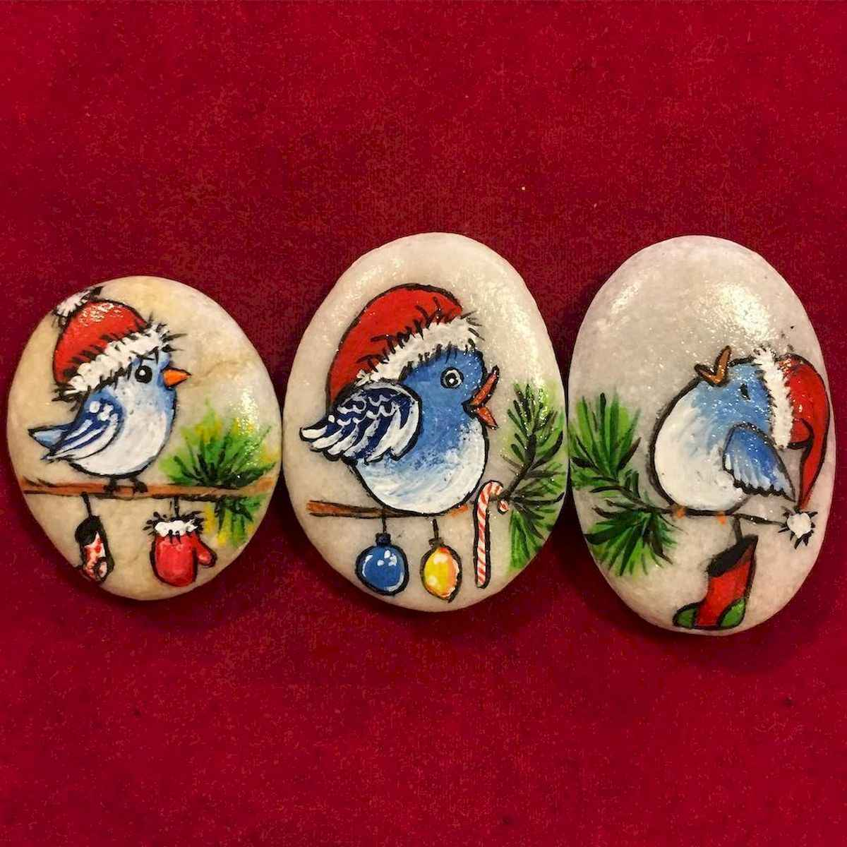 50 Easy DIY Christmas Painted Rock Design Ideas (17)