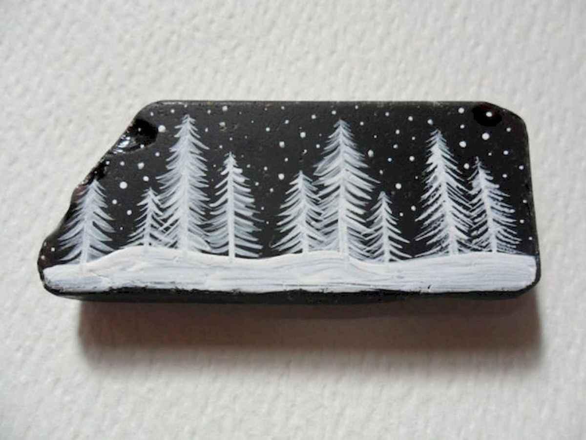 50 Easy DIY Christmas Painted Rock Design Ideas (38)
