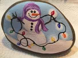50 Easy DIY Christmas Painted Rock Design Ideas (9)