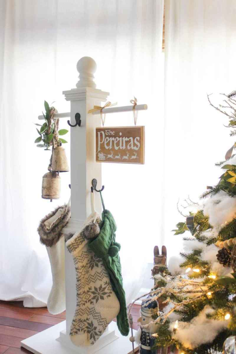 60 Best Farmhouse Christmas Decorating Ideas And Makeover (12)