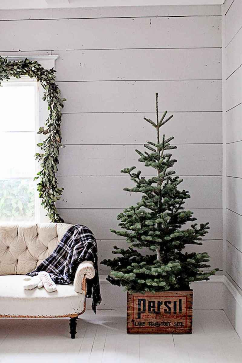 60 Best Farmhouse Christmas Decorating Ideas And Makeover (2)