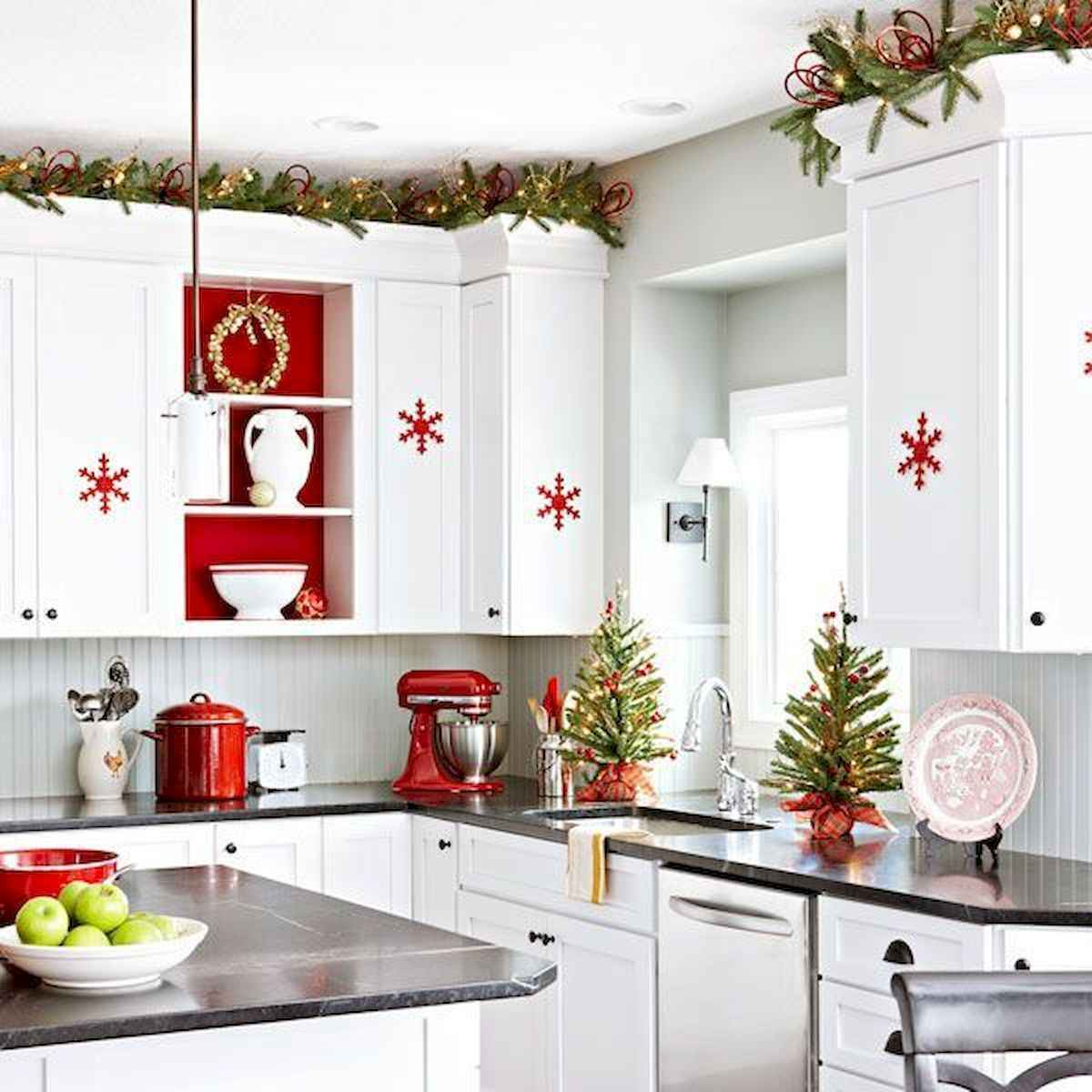 20 Elegant Christmas Kitchen Decor Ideas And Makeover (11)