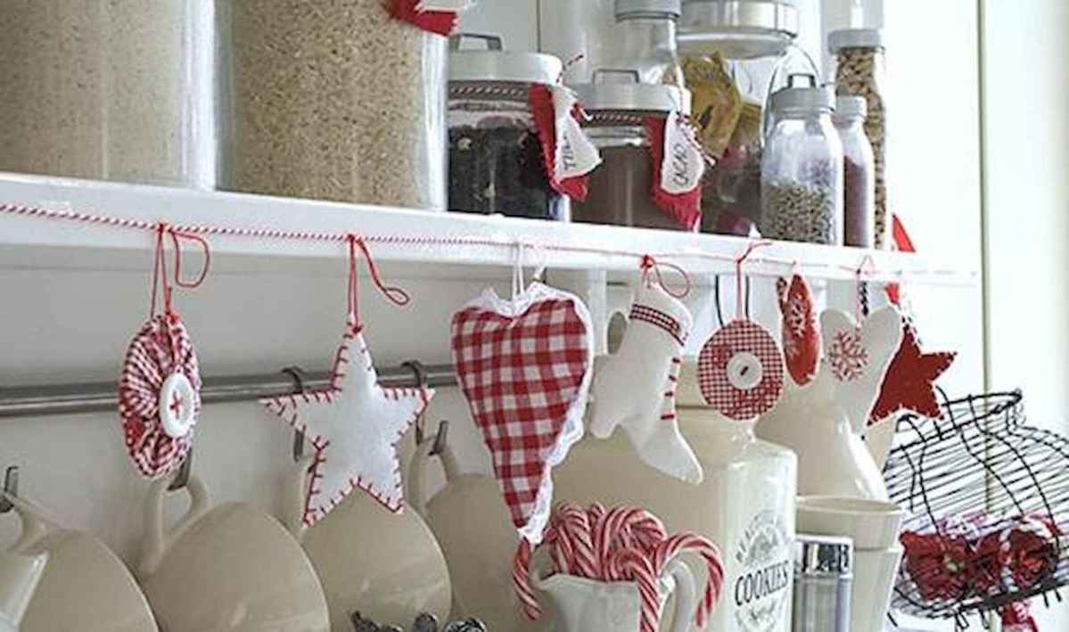 20 Elegant Christmas Kitchen Decor Ideas And Makeover (12)