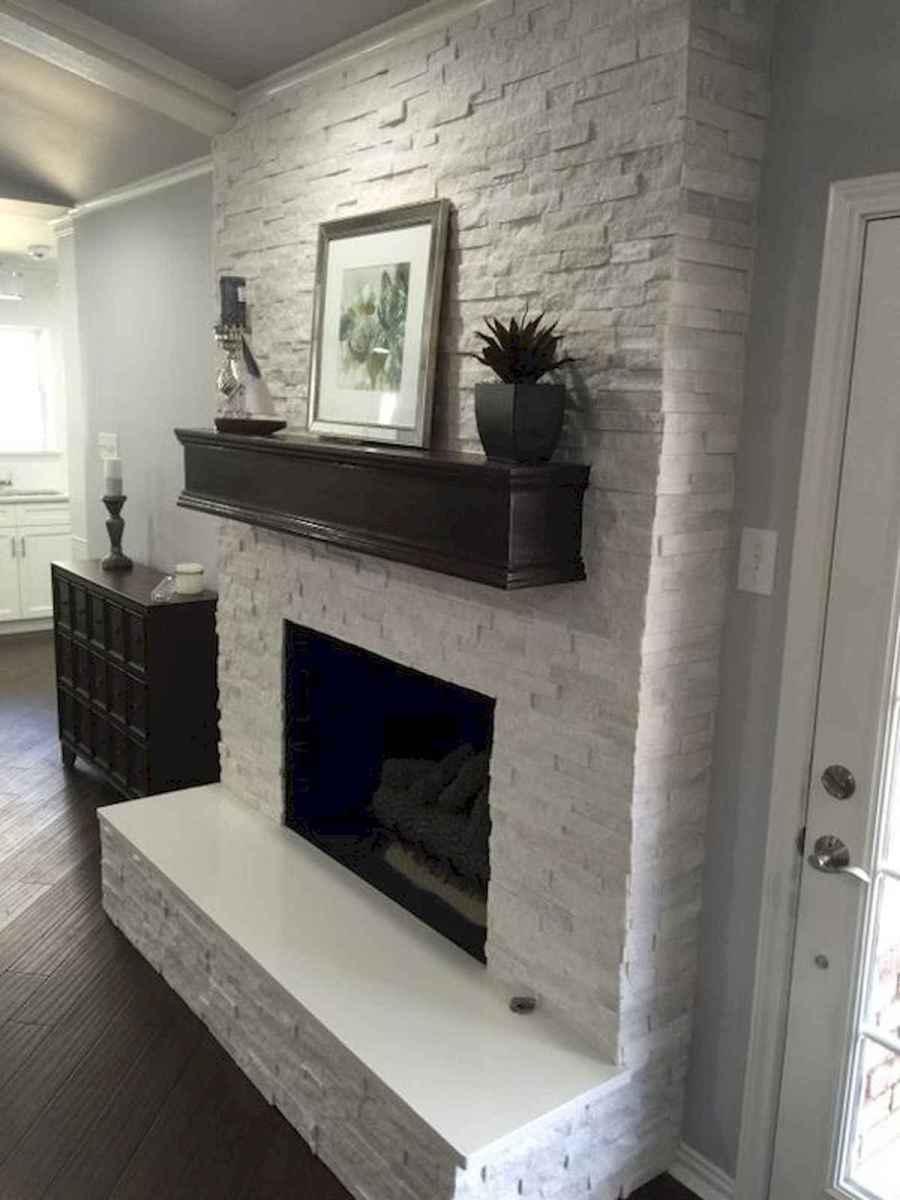 40 Awesome Fireplace Makeover For Farmhouse Home Decor (39)