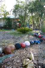24 Beautiful DIY Garden Ball Ideas (15)