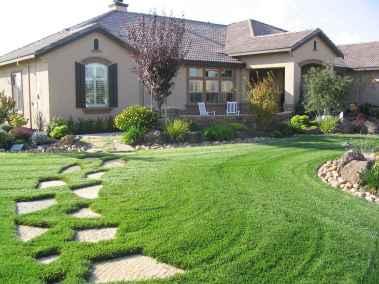40 Inspiring Front Yard Landscaping Ideas (21)