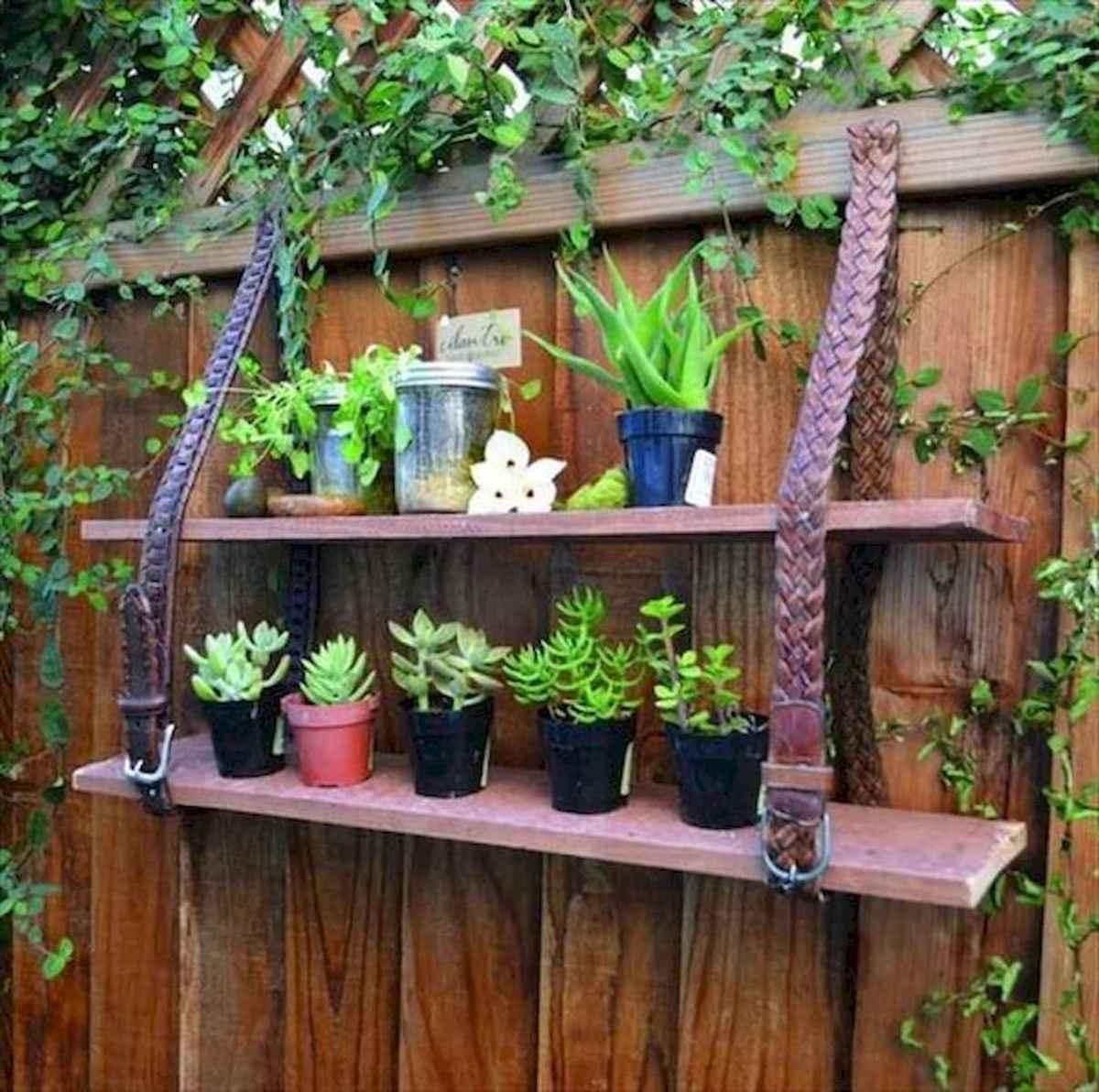 40 Unique Garden Fence Decoration Ideas (11)