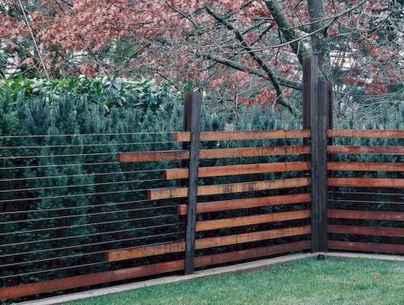40 Unique Garden Fence Decoration Ideas (17)