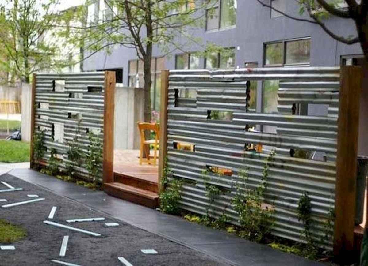 40 Unique Garden Fence Decoration Ideas (19)
