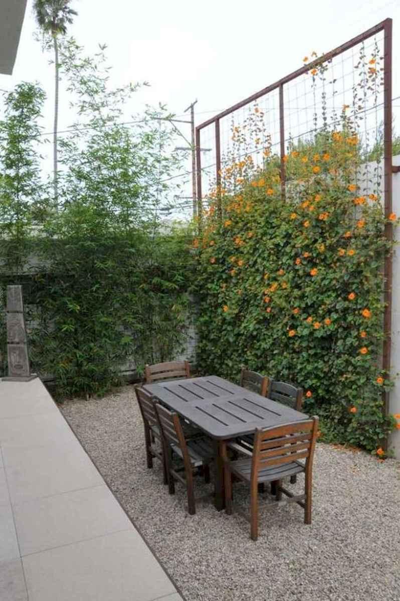 40 Unique Garden Fence Decoration Ideas (32)