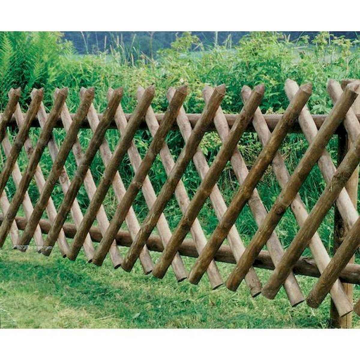 40 Unique Garden Fence Decoration Ideas (34)