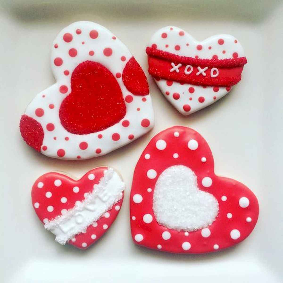 25 Gorgeous Painted Rocks Valentines Day Ideas (5)