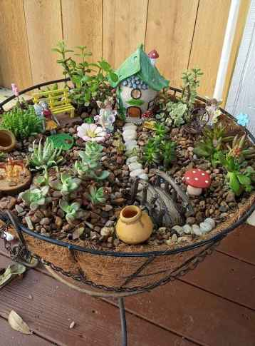 30 Beautiful Indoor Fairy Garden Ideas (25)