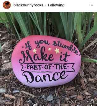 35 Awesome Painted Rocks Quotes Design Ideas (17)