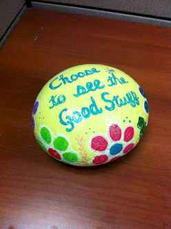 35 Awesome Painted Rocks Quotes Design Ideas (28)