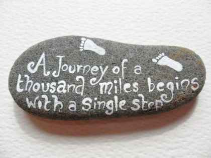 35 Awesome Painted Rocks Quotes Design Ideas (34)
