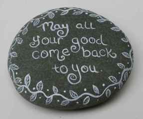 35 Awesome Painted Rocks Quotes Design Ideas (7)