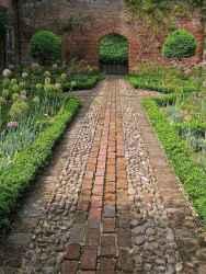 25 Best Garden Path Design Ideas (7)