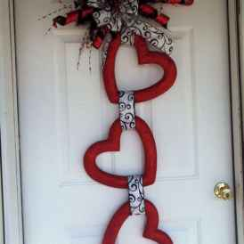 25 Easy DIY Valentines Wreath Ideas (37)