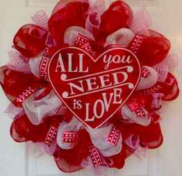 25 Easy DIY Valentines Wreath Ideas (43)