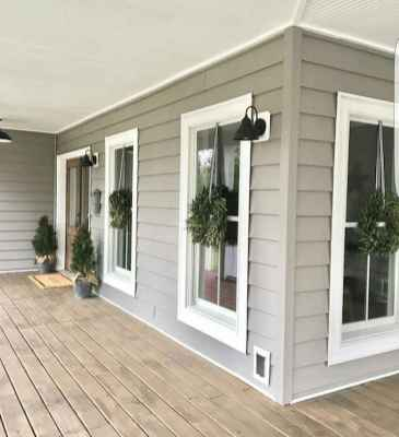 40 Awesome Farmhouse Porch Design Ideas And Decorations (40)