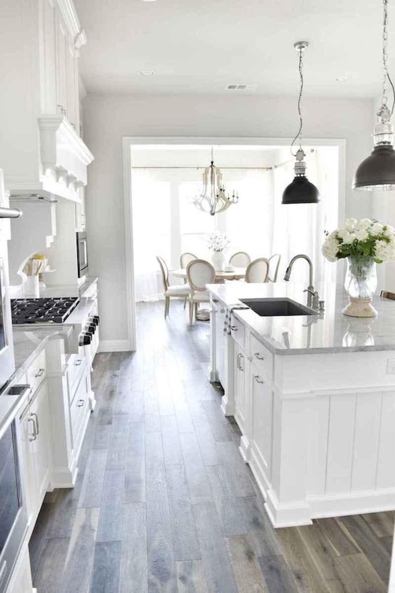 50 Best White Kitchen Design Ideas To Inspiring Your Kitchen (22)