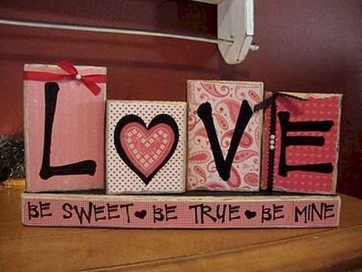 100 Easy DIY Valentines Decorations Ideas (73)