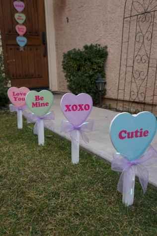 50 Romantic Valentines Day Decor Ideas (5)