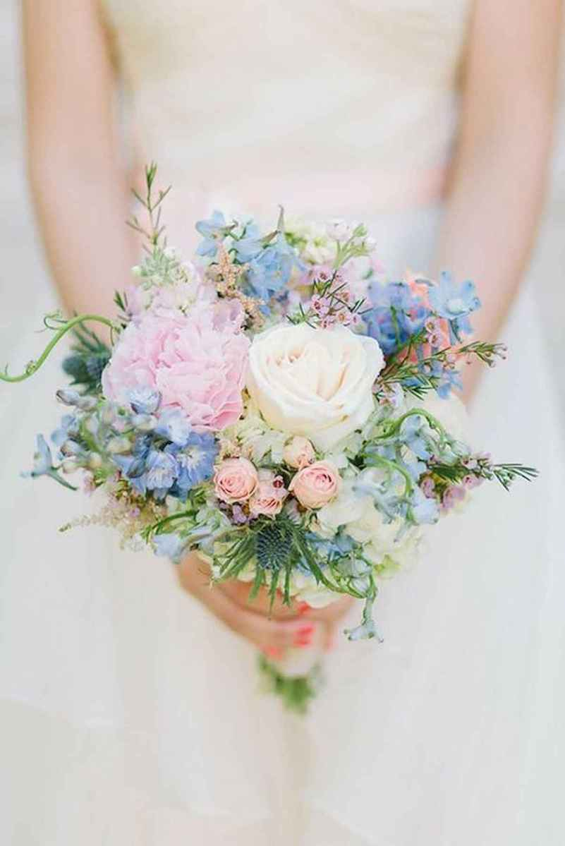 50 Beautiful Spring Bridesmaid Bouquets for Wedding Ideas (1)