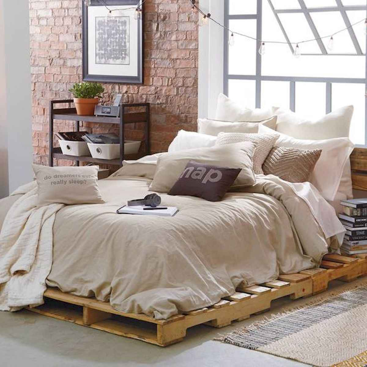 50 Creative Recycled DIY Projects Pallet Beds Design Ideas (18)