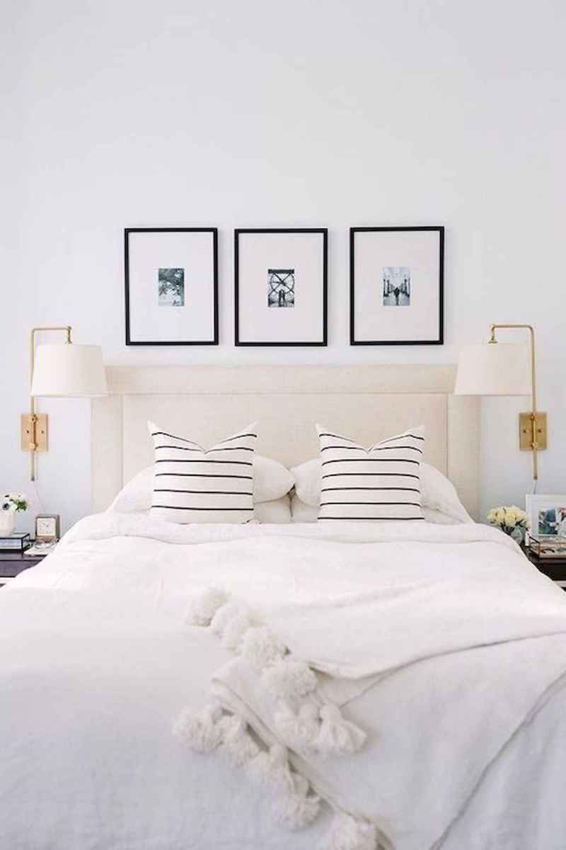 50 Stunning Small Apartment Bedroom Design Ideas and Decor (32)