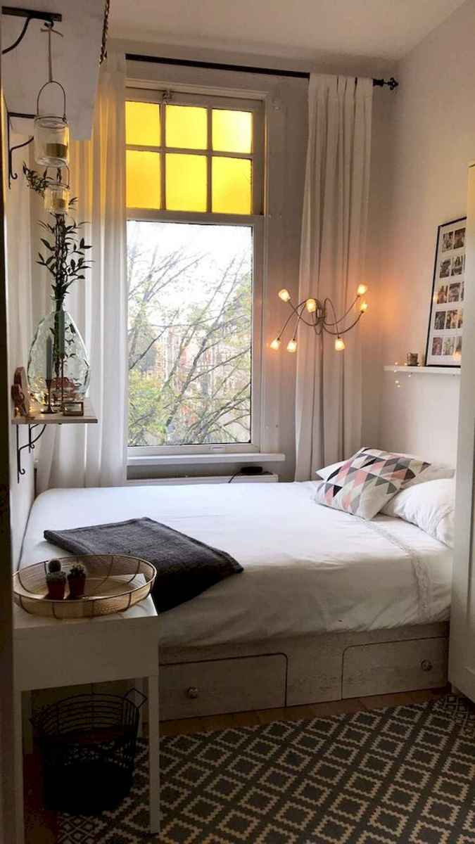 50 Stunning Small Apartment Bedroom Design Ideas and Decor (42)
