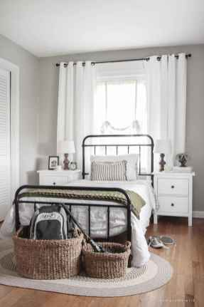 60 Adorable Modern Farmhouse Bedroom Design Ideas and Decor (25)