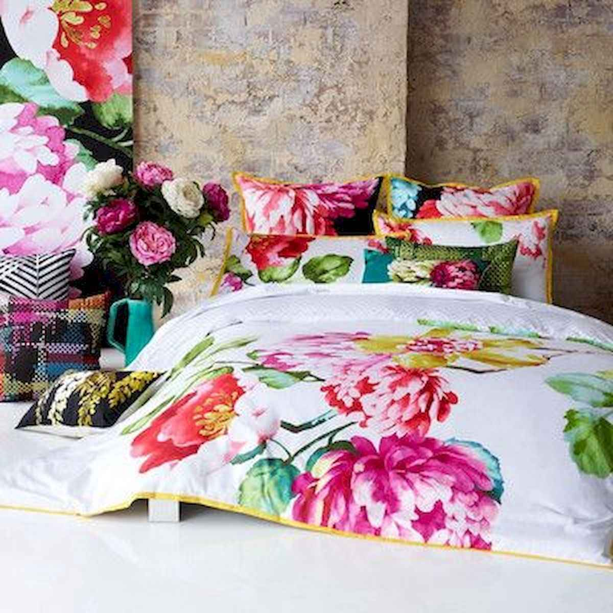 70+ Amazing Colorful Bedroom Decor Ideas And Remodel for Summer Project (14)