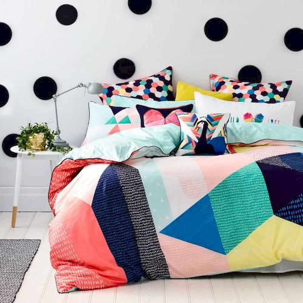70+ Amazing Colorful Bedroom Decor Ideas And Remodel for Summer Project (16)