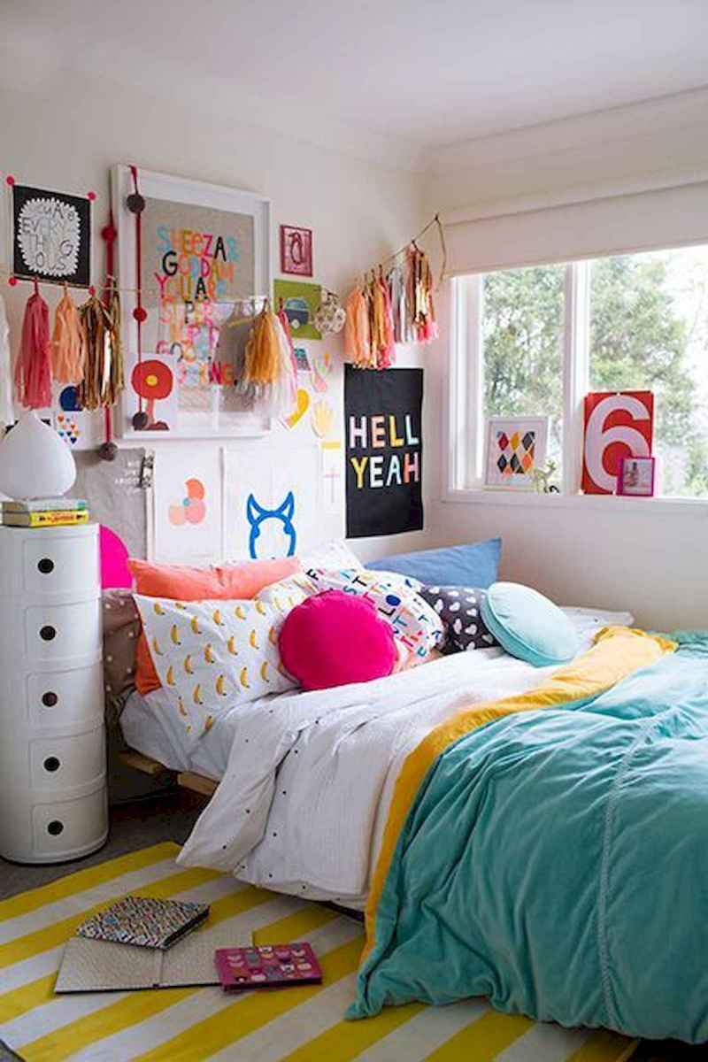 70+ Amazing Colorful Bedroom Decor Ideas And Remodel for Summer Project (53)