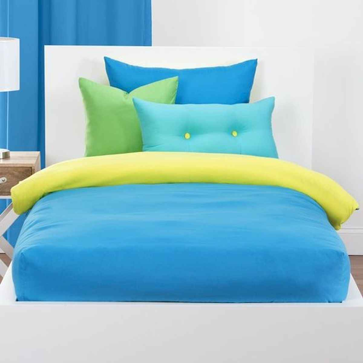 70+ Amazing Colorful Bedroom Decor Ideas And Remodel for Summer Project (6)