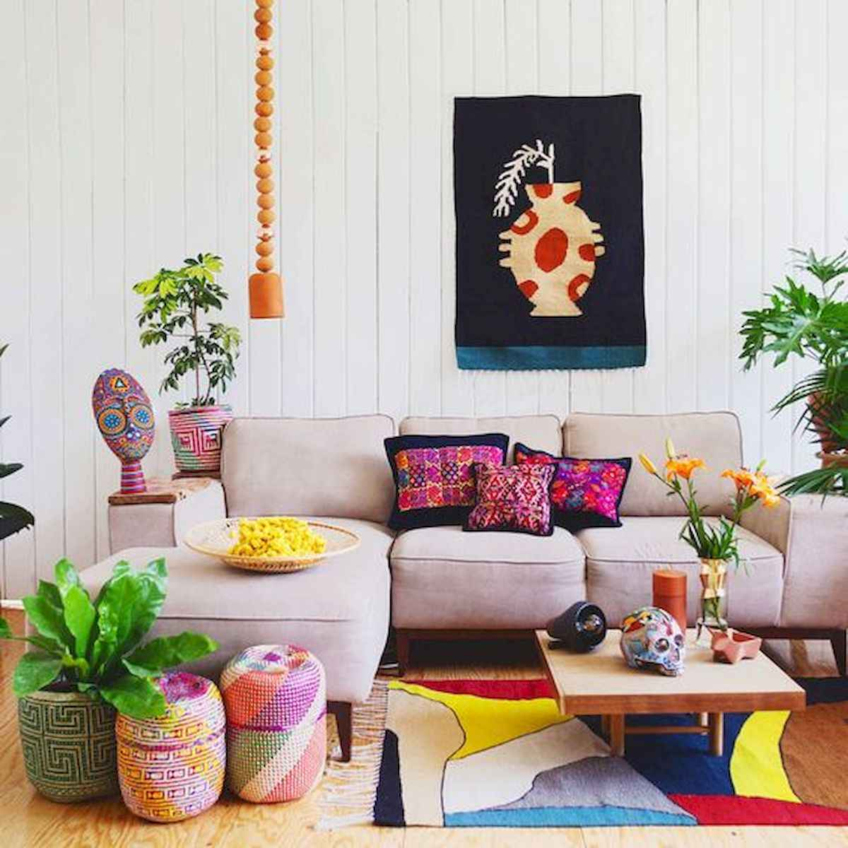 80+ Stunning Colorful Living Room Decor Ideas And Remodel for Summer Project (54)