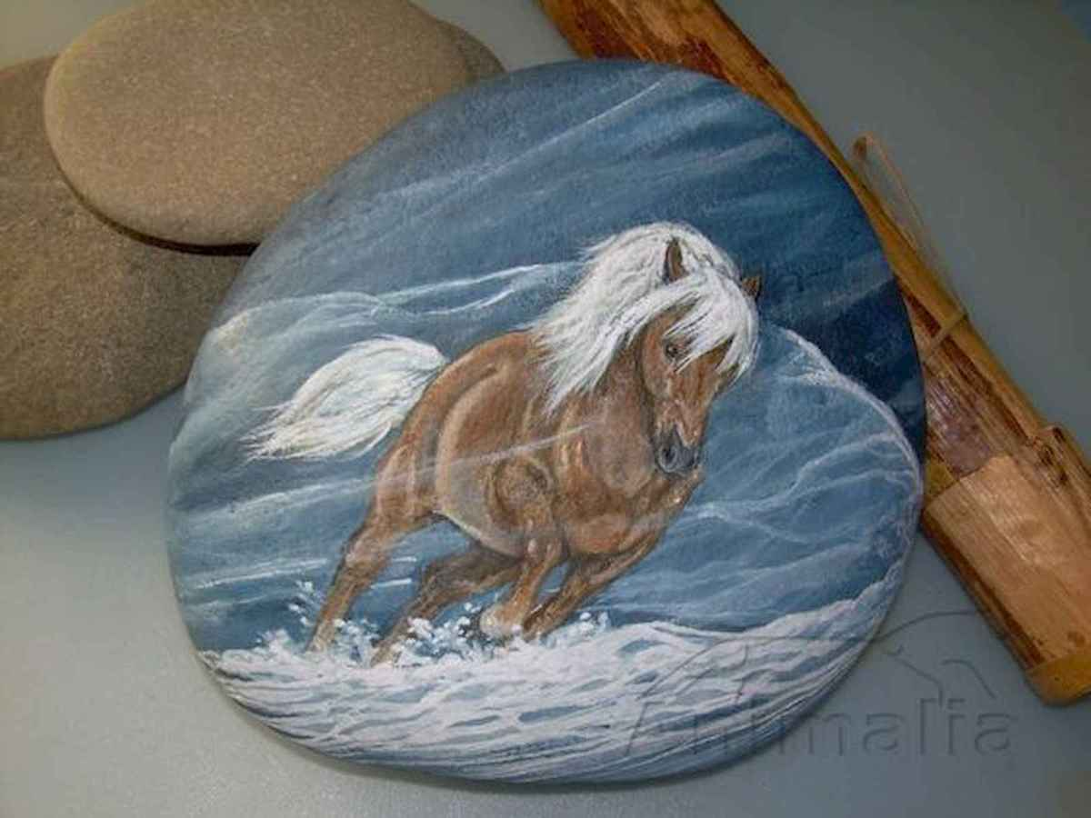 25 Suprising DIY Projects Painted Rocks Animals Horse for Summer Ideas (7)