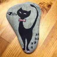 50 Inspiring DIY Painted Rocks Animals Cats for Summer Ideas (26)