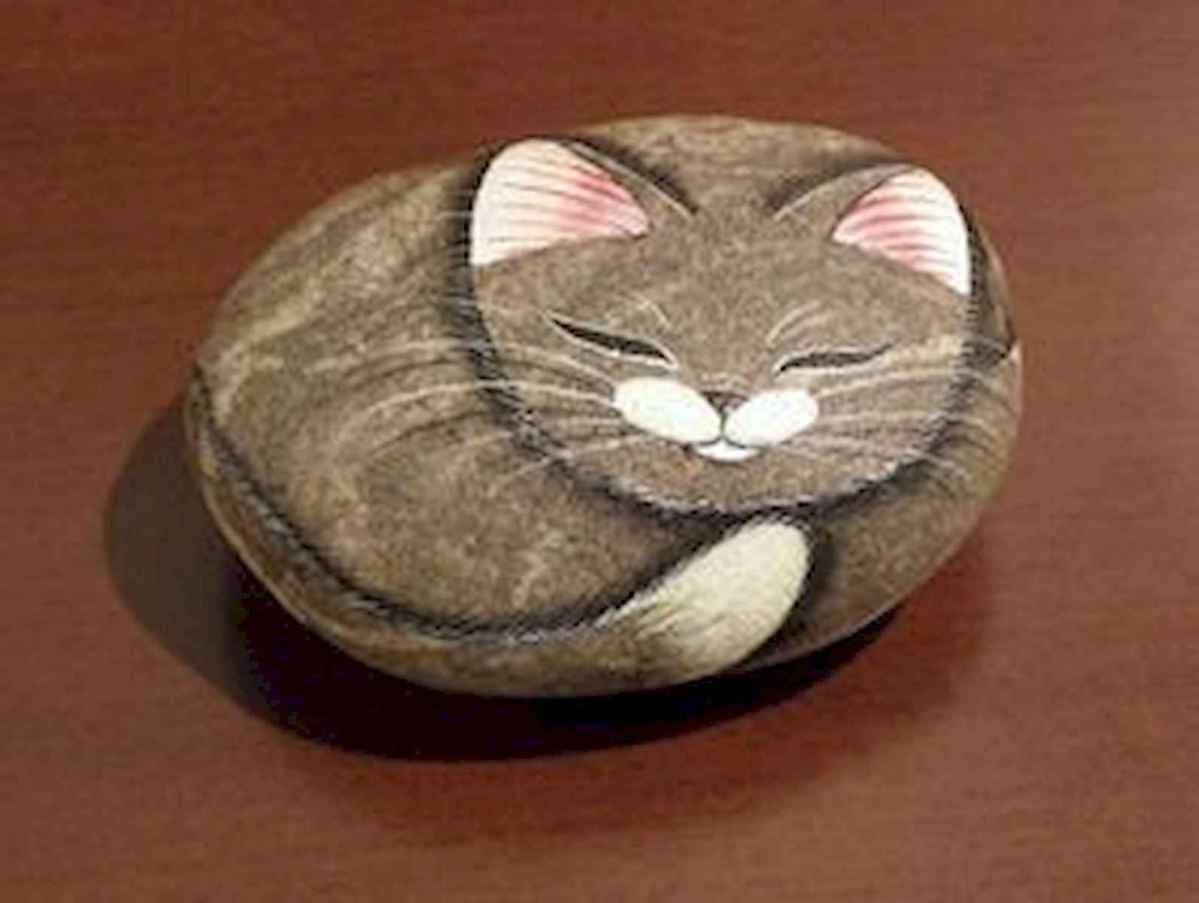 50 Inspiring DIY Painted Rocks Animals Cats for Summer Ideas (36)