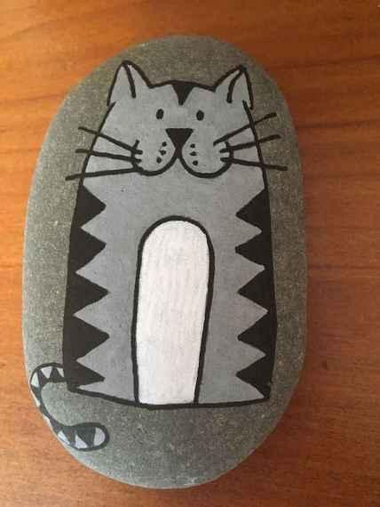 50 Inspiring DIY Painted Rocks Animals Cats for Summer Ideas (37)