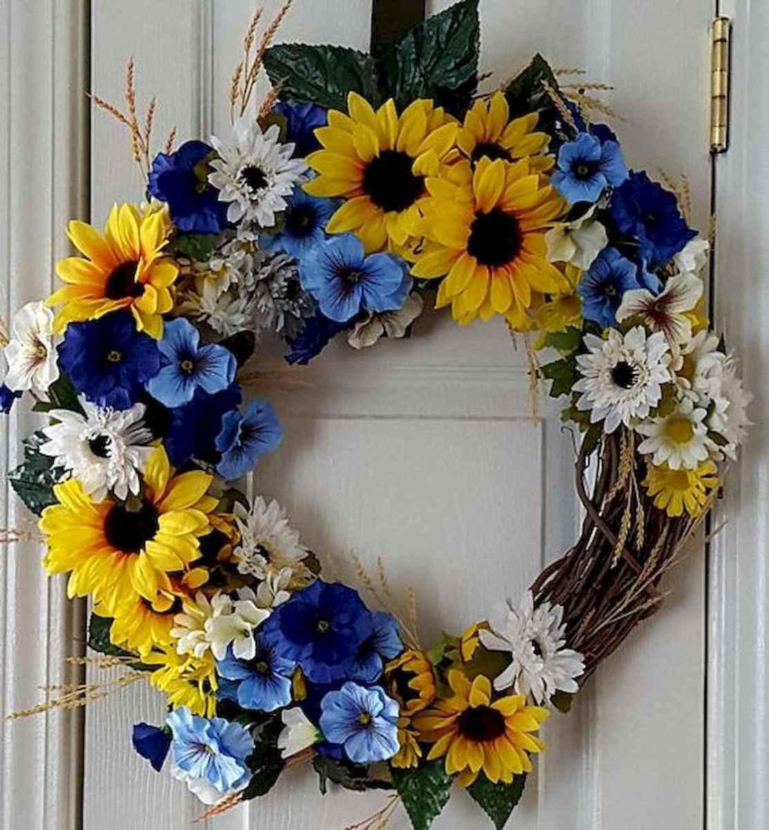 60 Beautiful Front Door Summer Wreath Decor Ideas (10)